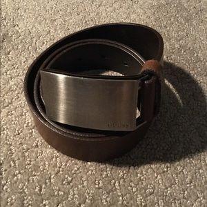 ⚡2/$15 brown GUESS belt